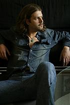 Tonio Walter · Singer & Songwriter