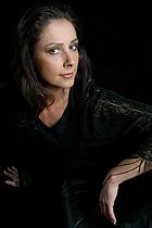Olivia Novello · Moderatorin